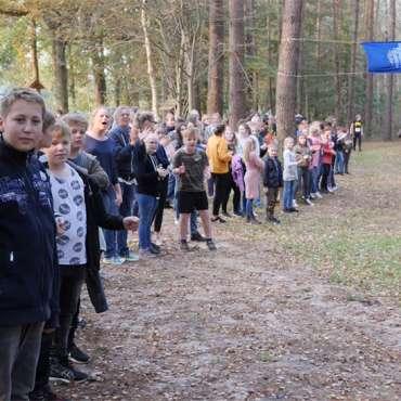 Die Fintauschüler feuern die Läufer jedes Jahr kräftig an!